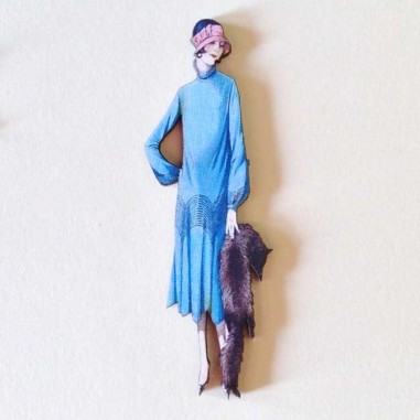 sale retailer 9957d f1520 Charm cabochon laser cut, figura anni '30, vestito azzurro e volpe