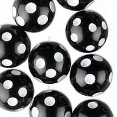 Perla tonda nera in resina...
